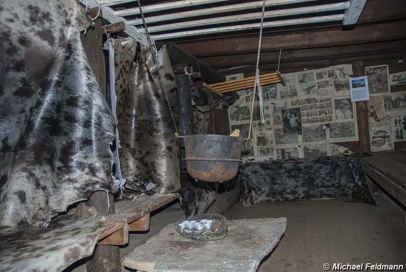 Erdhaus Innen innenraum eines erdhauses im museum tasiilaq